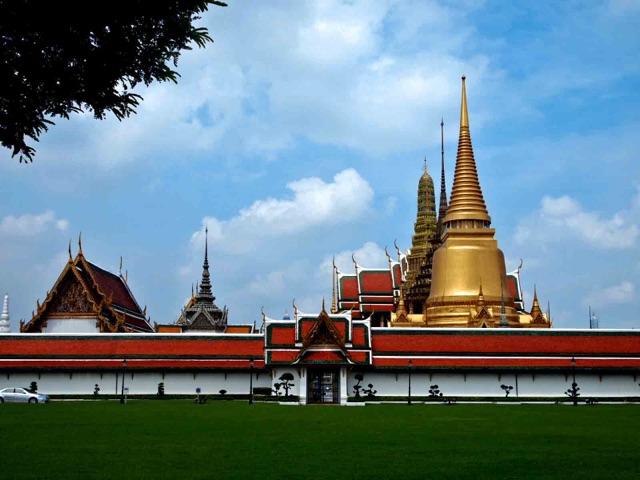 【タイ二日目】バイタク運ちゃん爆笑の話。ワットプラケオへ行き方は徒歩かバイタクか