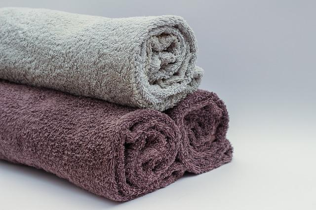 バスタオルはいらない?小さいタオルで快適に体を拭くコツ