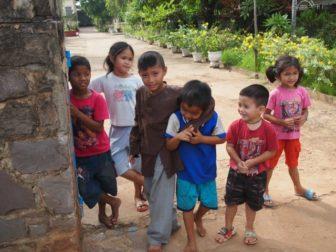東南アジア子供