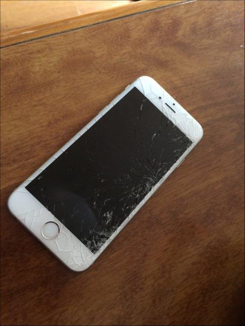 アイフォン画面割れ暗転